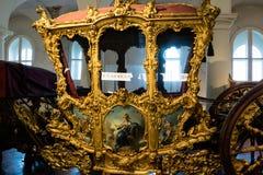 Επιχρυσωμένη περίκομψη ιστορική μεταφορά σε ένα μουσείο στοκ φωτογραφία με δικαίωμα ελεύθερης χρήσης