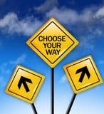 Επιλέξτε την έννοια τρόπων σας στο κίτρινο οδικό σημάδι στοκ φωτογραφία