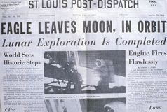 Επιδείξεις απόλλωνας 11 εφημερίδων μετα-αποστολών του Σαιντ Λούις αποστολή φεγγαριών, στις 21 Ιουλίου 1969 Στοκ Εικόνες