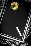 Επιλογές εστιατορίων στον πίνακα κιμωλίας στοκ φωτογραφίες με δικαίωμα ελεύθερης χρήσης