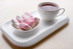 Επιδόρπιο και τσάι Στοκ φωτογραφίες με δικαίωμα ελεύθερης χρήσης
