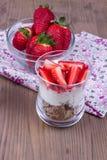Επιδόρπιο με τη φράουλα Στοκ εικόνα με δικαίωμα ελεύθερης χρήσης