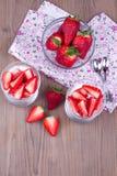 Επιδόρπιο με τη φράουλα Στοκ Εικόνα
