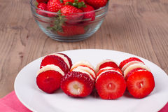 Επιδόρπιο με τις φράουλες Στοκ Εικόνες