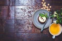 Επιδόρπιο με το τσάι Στοκ Εικόνες