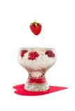 Επιδόρπιο στάρπης με τις φράουλες στοκ φωτογραφίες
