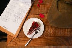 Επιδόρπιο φρούτων στον καφέ στο πιάτο Στοκ Εικόνα