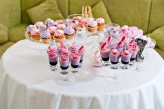 Επιδόρπιο Parfe και cupcakes Στοκ Φωτογραφίες