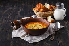 Εποχιακή καυτή σούπα κολοκύθας, vegaterian έννοια τροφίμων Στοκ φωτογραφία με δικαίωμα ελεύθερης χρήσης