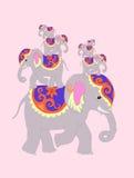 Επτά ελέφαντες για την ευτυχία και την καλή τύχη ελεύθερη απεικόνιση δικαιώματος