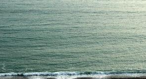 λεπτή χρυσή καλή κυματωγή θάλασσας πτώσης Στοκ Φωτογραφία