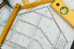 Επόπτης προγράμματος γραφείων Σχέδια της οικοδόμησης Αρχιτεκτονικό πρόγραμμα Το σχέδιο ορόφων σχεδίασε να στηριχτεί στο σχέδιο Στοκ φωτογραφίες με δικαίωμα ελεύθερης χρήσης