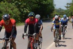 Ερασιτέχνης ποδηλάτης ανταγωνίζονται σε ένα πρόγραμμα φιλανθρωπίας στοκ εικόνες