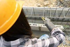 Εργάτες οικοδομών ή laborer με την υψηλότερη ζήτηση στο μέλλον στοκ εικόνα με δικαίωμα ελεύθερης χρήσης