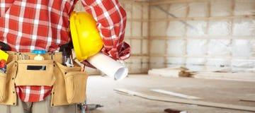 Εργάτης οικοδομών με μια ζώνη εργαλείων Στοκ εικόνα με δικαίωμα ελεύθερης χρήσης