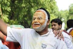 Εργαζόμενοι κομμάτων Bjp που γιορτάζουν κατά τη διάρκεια της εκλογής στην Ινδία Στοκ Εικόνες