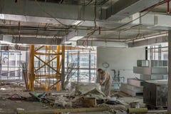 Εργαζόμενοι σε μια περιοχή contruction στο Ντουμπάι Στοκ φωτογραφία με δικαίωμα ελεύθερης χρήσης