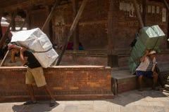 Εργαζόμενοι της πλατείας Durbar, Κατμαντού, Νεπάλ Στοκ Εικόνες