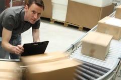 εργαζόμενος αποθηκών εμπορευμάτων Στοκ εικόνα με δικαίωμα ελεύθερης χρήσης