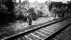 Εργαζόμενος γυναικών νότιων ινδικός σιδηροδρόμων Στοκ εικόνες με δικαίωμα ελεύθερης χρήσης