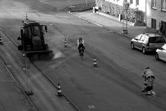 Εργαζόμενος δεικτών οδικών σημαδιών Στοκ φωτογραφία με δικαίωμα ελεύθερης χρήσης