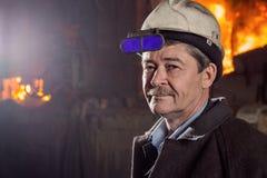 Εργαζόμενος ενός μεταλλουργικού εργοστασίου Στοκ φωτογραφίες με δικαίωμα ελεύθερης χρήσης