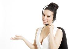 Εργαζόμενος εξυπηρέτησης πελατών γυναικών, χαμογελώντας χειριστής τηλεφωνικών κέντρων με στοκ φωτογραφίες