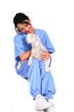εργαζόμενος υγειονομικής περίθαλψης θηλυκών σκυλιών Στοκ Φωτογραφίες
