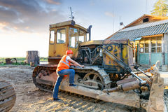 Εργαζόμενο άτομο σε ομοιόμορφο Στοκ φωτογραφίες με δικαίωμα ελεύθερης χρήσης