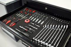 Εργαλεία για την επισκευή και τα διαγνωστικά των αυτοκινήτων στο αυτοκίνητο γκαράζ, καθορισμένο ο Στοκ Εικόνες