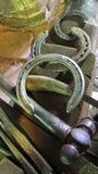 Εργαλεία και πέταλα σιδηρουργών Στοκ Εικόνες