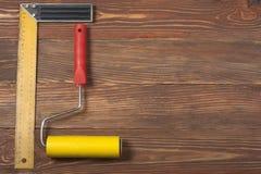 Εργαλεία κατασκευής στο ξύλινο υπόβαθρο Διάστημα αντιγράφων για το κείμενο Τοπ όψη Στοκ Φωτογραφία