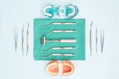 Εργαλεία οδοντιάτρων και orthodontic Στοκ Εικόνες