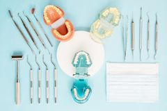 Εργαλεία οδοντιάτρων και orthodontic Στοκ φωτογραφίες με δικαίωμα ελεύθερης χρήσης
