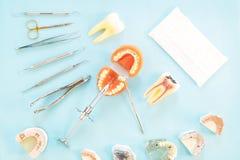 Εργαλεία οδοντιάτρων και prosthodontic Στοκ Εικόνες