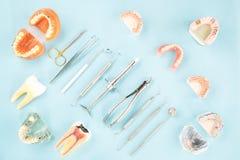 Εργαλεία οδοντιάτρων και prosthodontic Στοκ φωτογραφίες με δικαίωμα ελεύθερης χρήσης