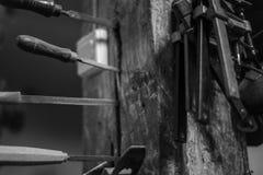 Εργαλεία στο ξύλινο κατάστημα Στοκ εικόνες με δικαίωμα ελεύθερης χρήσης