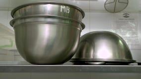 Εργαλεία τα βιομηχανικά κουζινών κλείνουν επάνω φιλμ μικρού μήκους