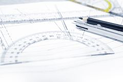Εργαλείο εφαρμοσμένης μηχανικής σε ένα σχέδιο Στοκ Εικόνες