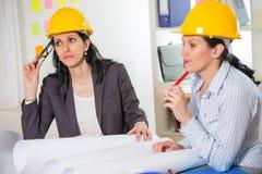 Εργασία αρχιτεκτόνων στην αρχή στο κατασκευαστικό πρόγραμμα Στοκ Εικόνα