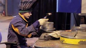 Εργασία για την παραγωγή του εργοστασίου εξοπλισμού θέρμανσης φιλμ μικρού μήκους