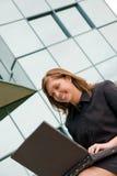 εργασία γυναικών επιχει& Στοκ Φωτογραφίες