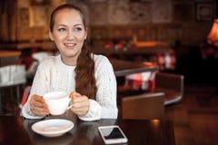 εργασία γυναικών lap-top Στοκ εικόνες με δικαίωμα ελεύθερης χρήσης