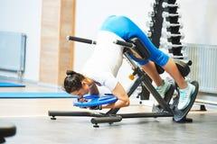 Εργασία εκπαιδευτών Personall στη γυμναστική στοκ εικόνες με δικαίωμα ελεύθερης χρήσης