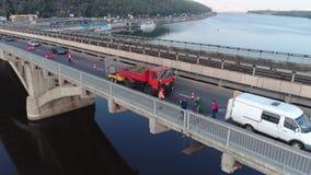 Εργασία επισκευής για την κεραία γεφυρών απόθεμα βίντεο
