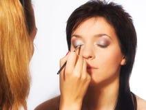 εργασία καλλιτεχνών makeup Στοκ φωτογραφία με δικαίωμα ελεύθερης χρήσης