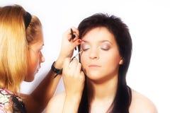 εργασία καλλιτεχνών makeup Στοκ εικόνα με δικαίωμα ελεύθερης χρήσης