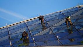 Εργασία μεγάλου υψομέτρου για έναν ουρανοξύστη Στοκ εικόνα με δικαίωμα ελεύθερης χρήσης