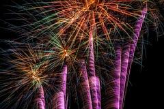 Εργασία πυρκαγιάς τη νύχτα, πυροτέχνημα καλής χρονιάς Στοκ εικόνα με δικαίωμα ελεύθερης χρήσης