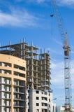 εργασία πύργων γερανών κατασκευής Στοκ Φωτογραφίες